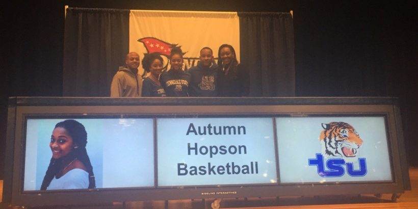 Autumn Hopson makes her commitment to TSU official. (Photo @PatriotPioneers)