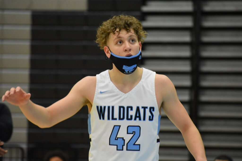 Junior Mason Jones had 11 points off the bench for the Wildcats.
